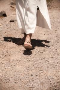 sandaled-feet3
