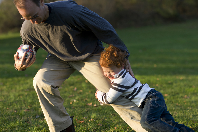 dad_rugby_play
