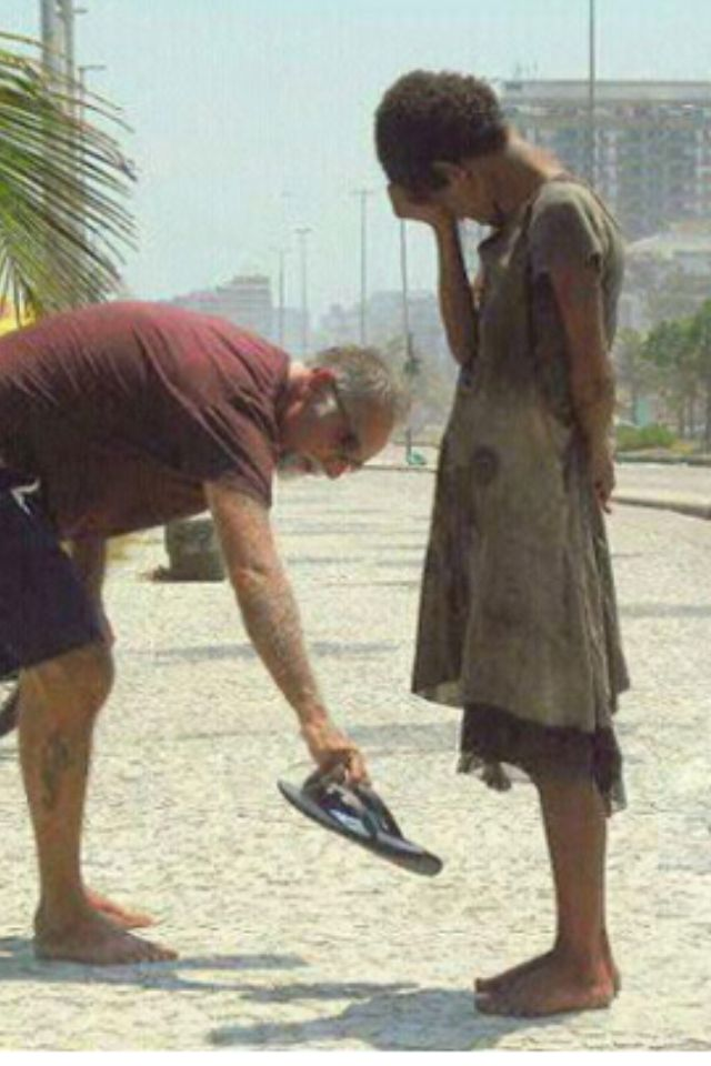 kindness_man_gives_sandals2